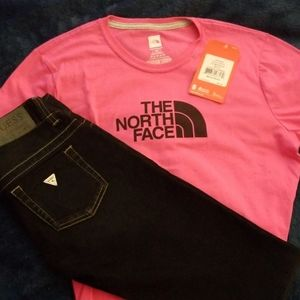 NWT 🌟The North Face-woman's pink &black t-shirt